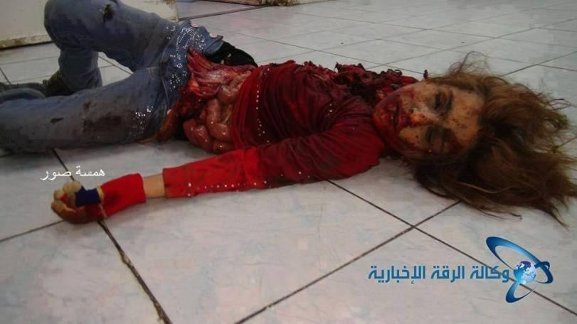 """Syrian Aram: """"Това е дело на свободната Сирийска армия в град Ракка, Сирия! Бихте ли могли да живеете спокойно като знаете че между вас има изроди и са способни да извършият подобно нещо? Скъпи приятели, България ни е мила и е наша родина, да кажем заедно НЕ на присъствието на свободна Сирийска армия в България и вън от България на всеки който я подкрепя! Бих искал да знам коментара на Недал Ал-Гафари на тази снимка?"""""""