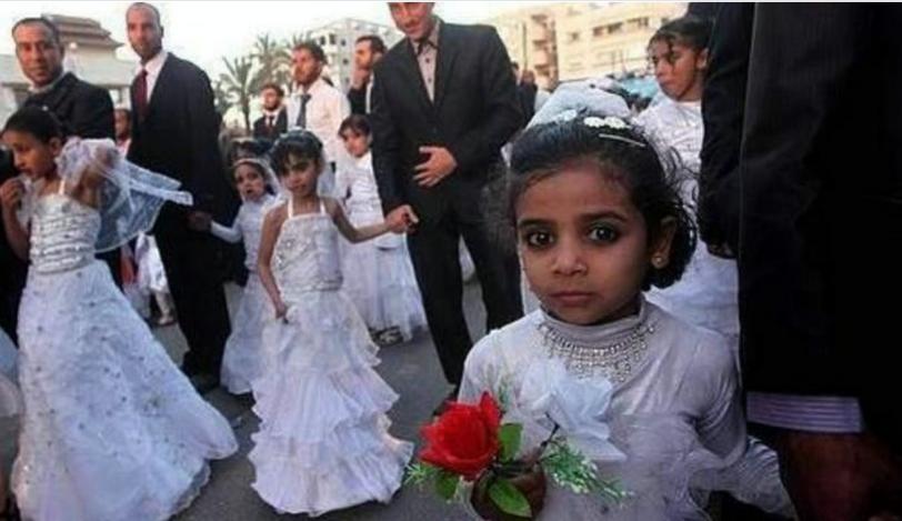 Групова сватба на 9 годишни момичета в Ирак 2014г.