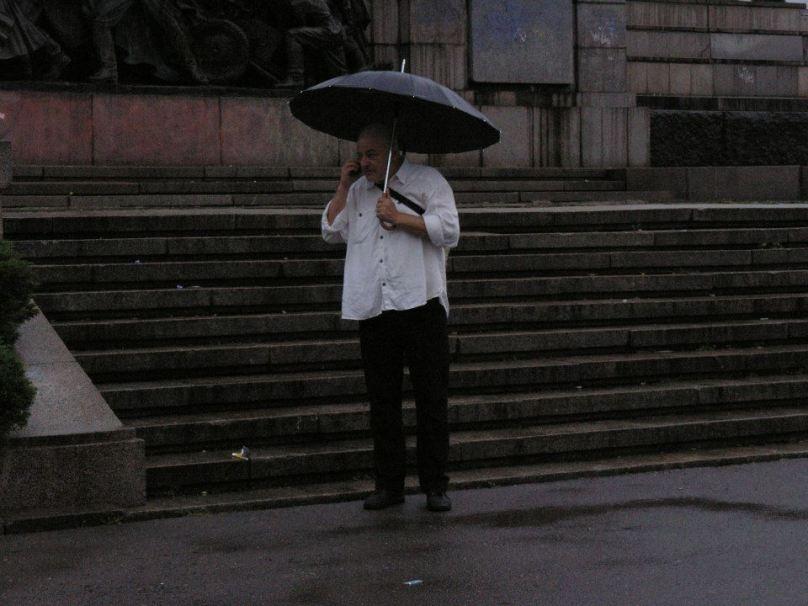 """Реформаторски БОМЖ докладва по телефона на някаква явно голяма клечка: """"Едно милиционерско говно ме заплаши, тук са 30 изрода като ония в Донбас!"""""""