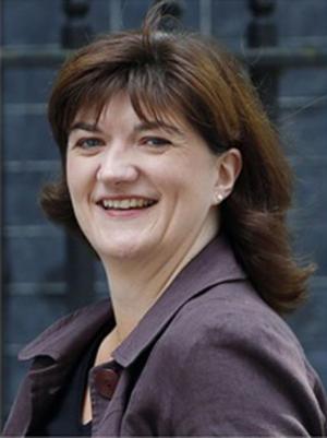 Ники Морган -  Министър на образоваието на Обеиненото кралство